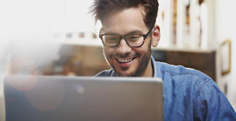 Okulary do pracy przy komputerze – jak dobrać odpowiednie?