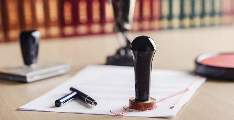 Z jakich elementów składa się akt notarialny?