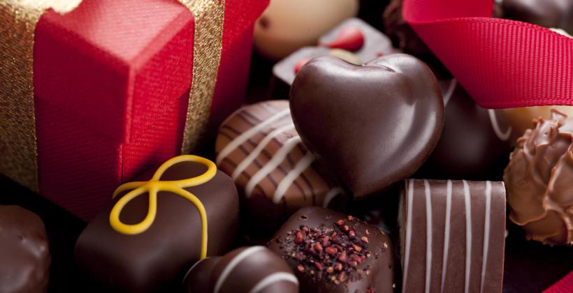Jak działają maszyny do czekolady i dlaczego warto je zakupić?