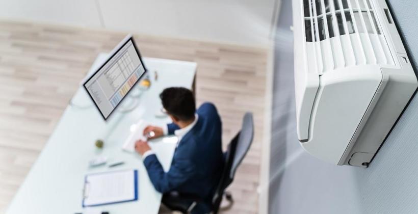 Dlaczego warto zainwestować w klimatyzację w biurze?