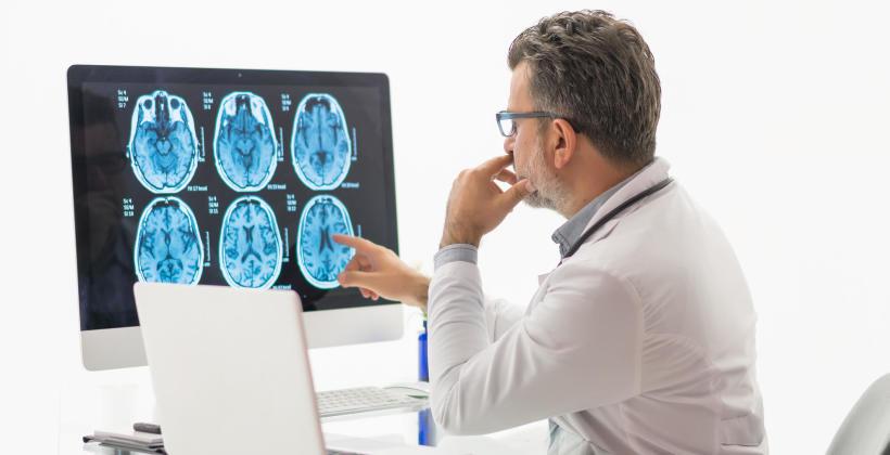 Jakie objawy mogą sugerować obecność guza mózgu?