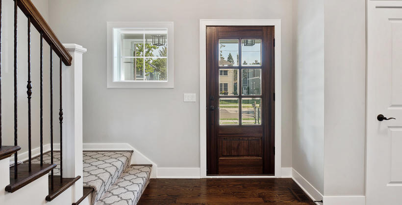 Różne rodzaje okien i drzwi- na jakie powinniśmy się zdecydować?