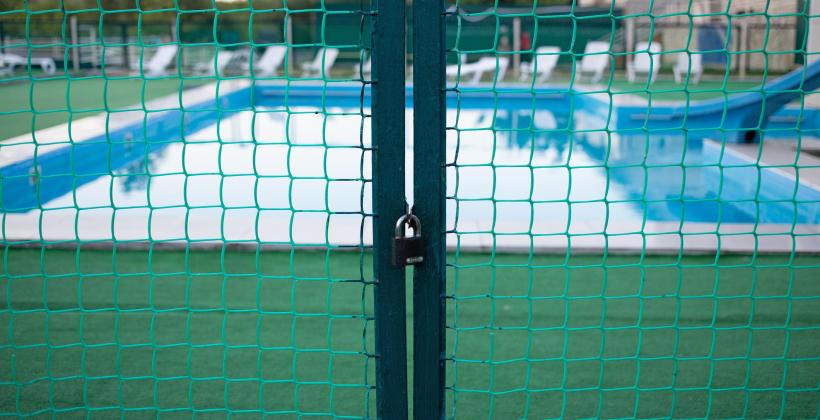 Jak wybrać metalowe ogrodzenie i jak o nie dbać?