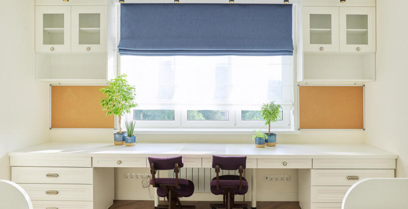 Zasłony czy rolety? Jakie dekoracje okienne wybrać?