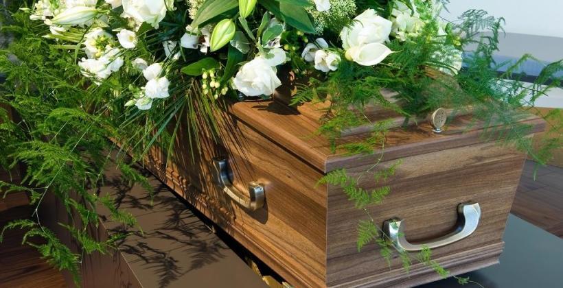 Koszty pogrzebu. Z jakim wydatkiem się liczyć?