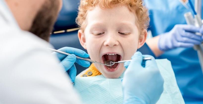 Jak dbać o zęby mleczne?