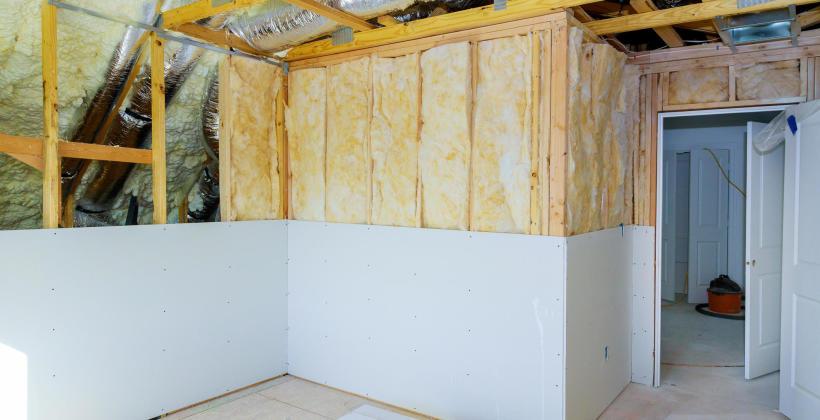 BARWAŚNY TEAM: remont domu z wykorzystaniem suchej zabudowy