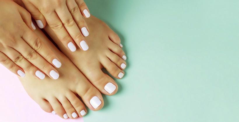 Pedicure: zrelaksuje się i zadbaj o piękne stopy!