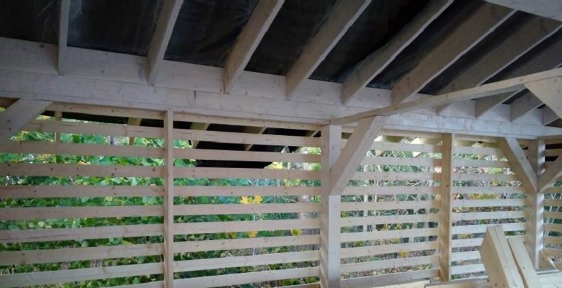 Montaż podbitki dachowej, jako jedna z usług oferowanych przez Piotr Ślązak Usługi ogólnobudowlane