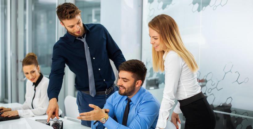 Jakie obowiązki ma przedsiębiorca, który zatrudnia pracowników?