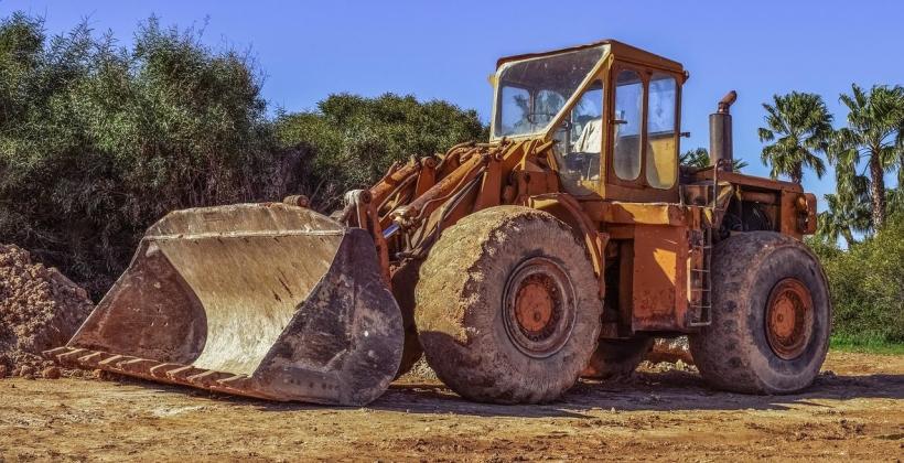 Czy warto kupować używane maszyny budowlane?