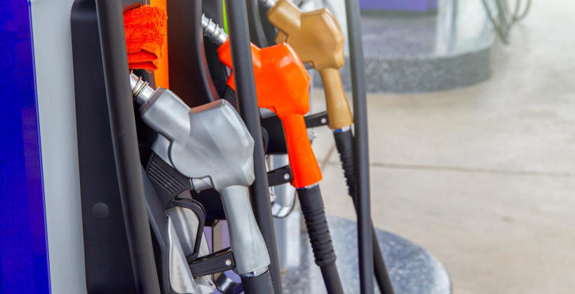 """,,Benzyniak"""" czy Diesel? Wady i zalety obydwu rodzajów samochodów"""