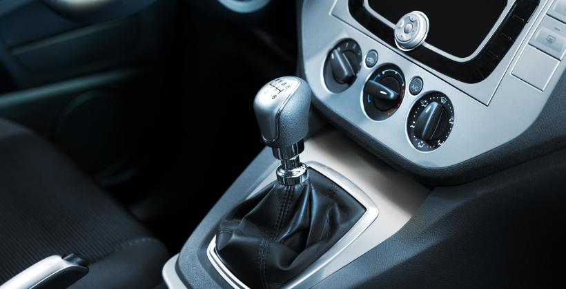 Jak rozpoznać, że manualna skrzynia biegów uległa awarii?