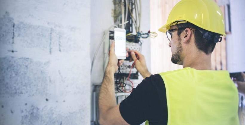 Udoskonalenie instalacji elektrycznej w starszych obiektach