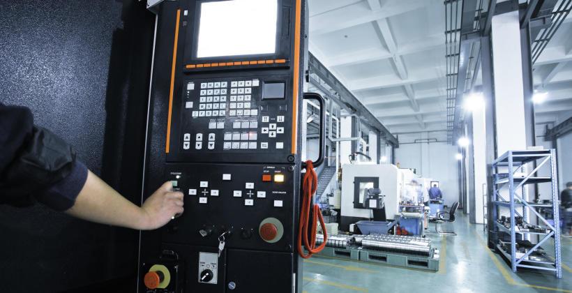 Programowanie sterowników maszyn i urządzeń w firmie APSP Automation