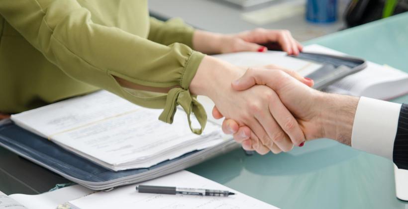 Umowa o dzieło z małżonkiem