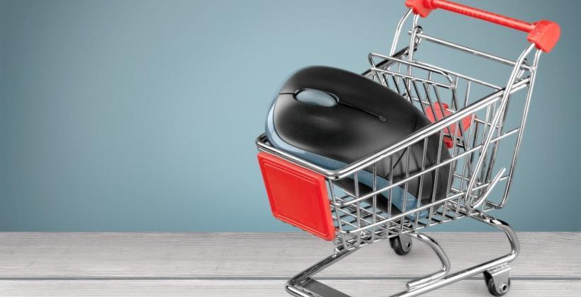 Handel przez internet – jak księgować koszty przesyłki?