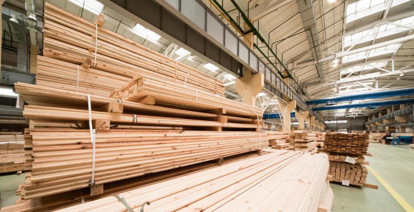 Podłogi drewniane – rodzaje podłóg instalowanych w domach i mieszkaniach