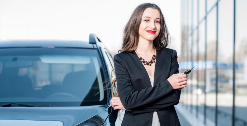 Zakup samochodu na firmę – leasing czy kredyt?