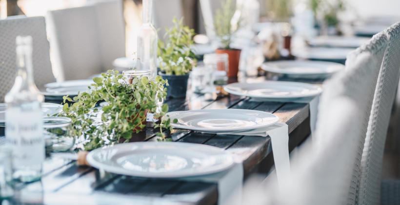 Dlaczego warto zorganizować imprezę okolicznościową w restauracji?