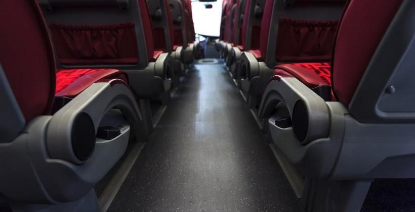 Planujesz podróż busem? Sprawdź jak się do niej przygotować.
