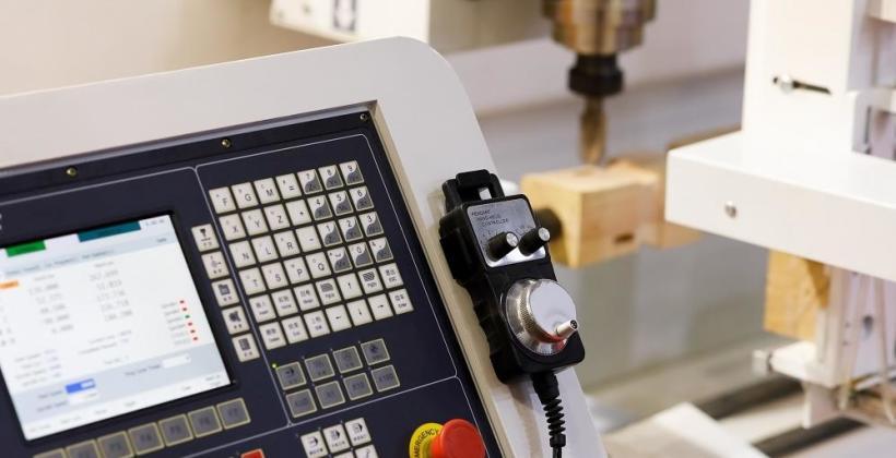 Akcesoria niezbędne w pracy z maszynami CNC
