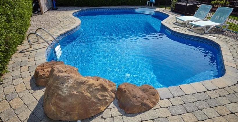 Środki do utrzymania czystości wody w basenie