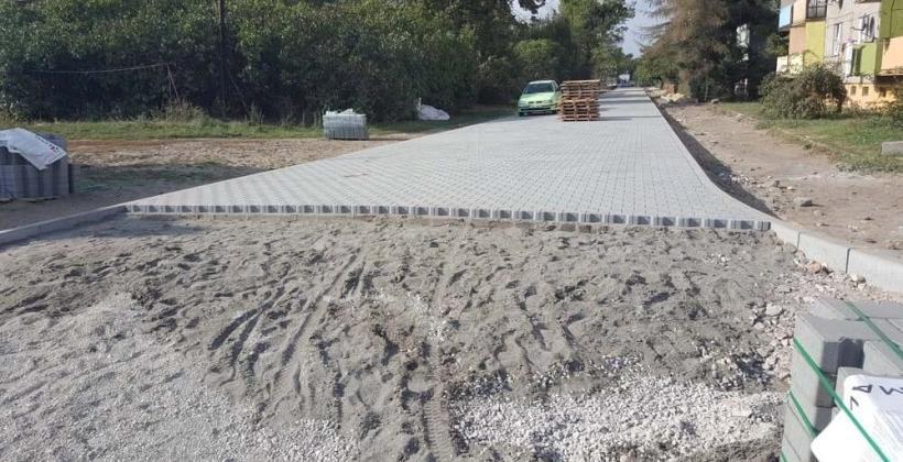 Co jest konieczne przy budowie drogi dojazdowej do posesji? Postaw na sprawdzone rozwiązania oferowane przez biuro projektowe Lapis