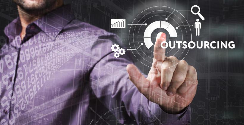 Wady i zalety outsourcingu. Kiedy outsourcing się opłaca?