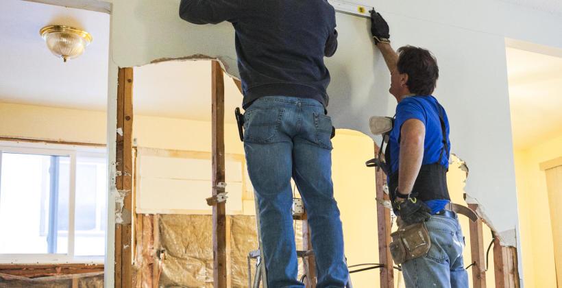 Dlaczego remonty mieszkań powinniśmy zlecać fachowcom?