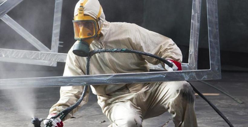 Renowacja felg za pomocą malowania proszkowego i malowania na mokro