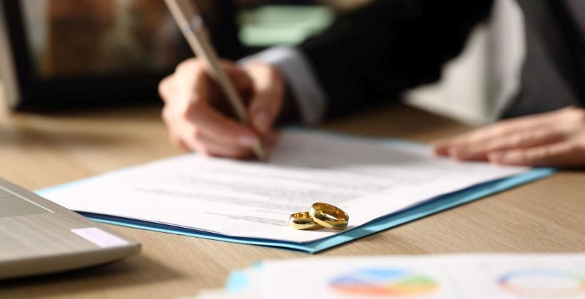 Szukasz wsparcia przy procesie rozwodowym? Skorzystaj z oferty Kancelarii Tomasza Sulęckiego