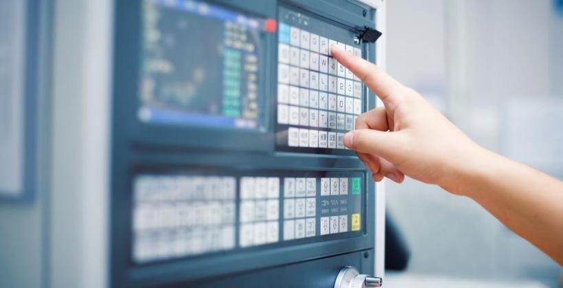 Jak odczyty cyfrowe ułatwiają korzystanie z urządzeń przemysłowych?