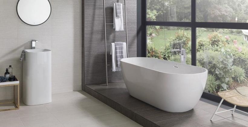 Kabina prysznicowa czy wanna – co wybrać do łazienki w mieszkaniu?