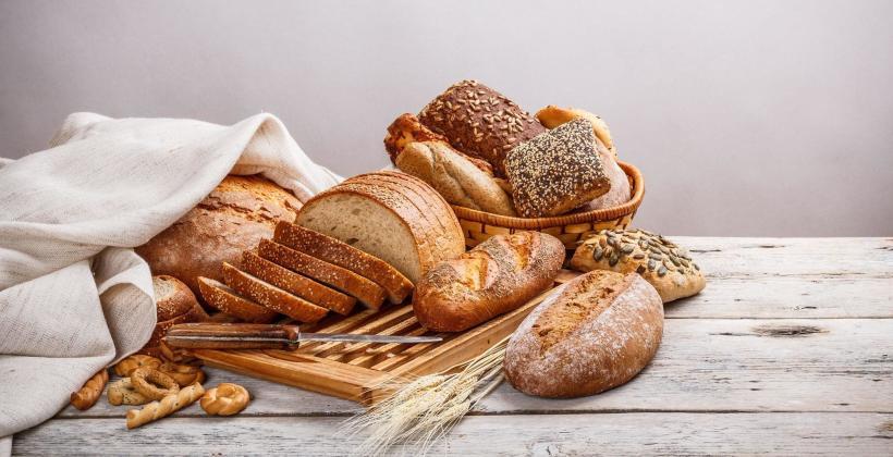 Rodzaje pieczywa i wyrobów cukierniczych w piekarni APM