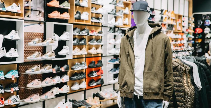 Online czy offline – gdzie lepiej kupować ubrania?