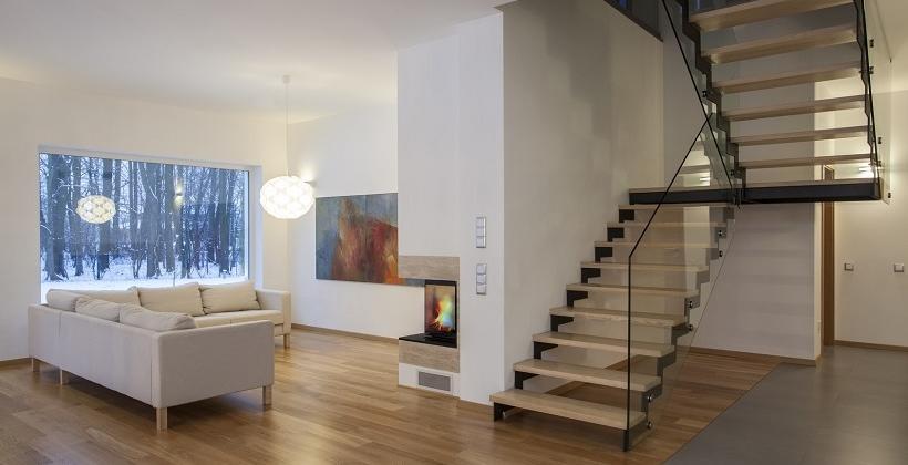 Schody bolcowe i dywanowe - porównanie konstrukcji