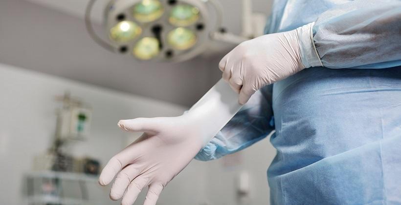 Ochronne rękawice gumowe. Do czego służą?