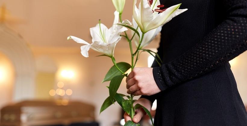 Kwiaty na pogrzeb. Jak godnie pożegnać zmarłego?