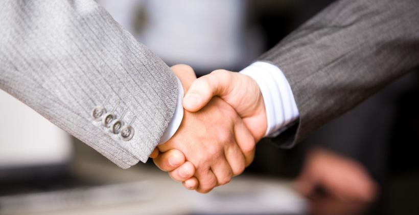 Jak rozmawiać z pracownikiem, który postanawia odejść z firmy?