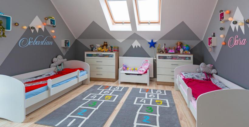Meble dla dzieci – jakie meble powinny się znajdować w pokoju małego i starszego dziecka?
