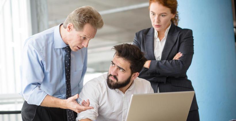 W jaki sposób ukarać pracownika, aby zmotywować go do działania?