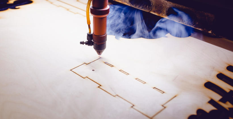 Innowacyjna technologia laserowa w produkcji opakowań – do czego jest wykorzystywana?