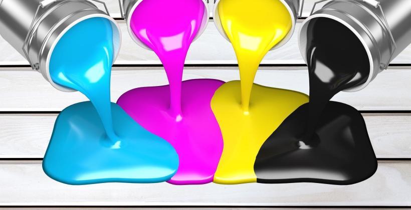 Jaką farbę do pokoju wybrać – z mieszalnika czy gotową?