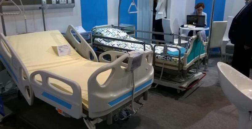 Łóżka szpitalne, ich budowa oraz regulacje prawne