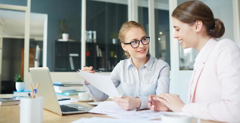 Jak prowadzić dokumentację płacową dla każdego pracownika?
