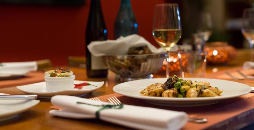 Dlaczego warto świętować ważne wydarzenia w restauracji?