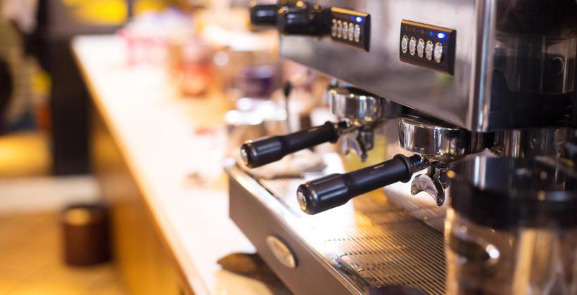 Urządzenia gastronomiczne, kiedy dzwonić po profesjonalną pomoc?