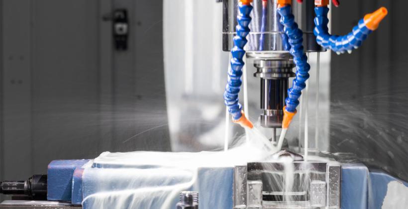 Maszyny CNC – nowoczesny i precyzyjny sposób na kształtowanie metalu