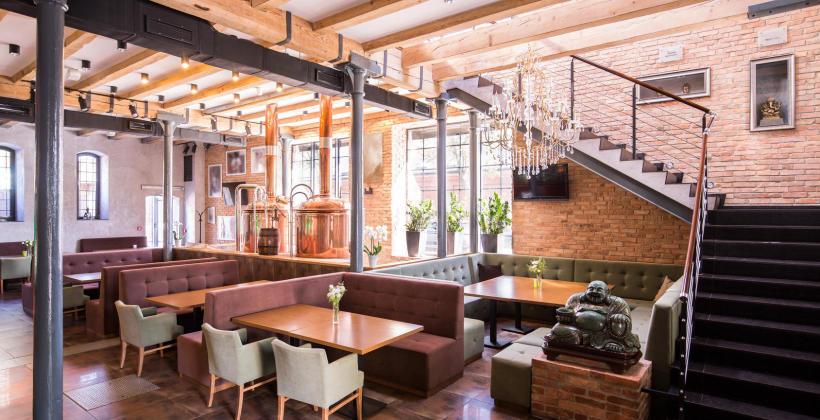 Eleganckie meble jako element aranżacji restauracji i hoteli